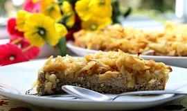 Ovesný koláč s jablky a řeckým jogurtem