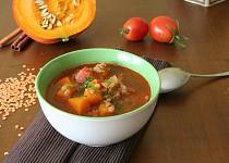 Polévka devatero koření s červenou čočkou