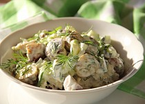 Salát z pečených brambor s bylinkami
