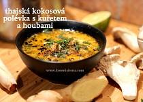 Thajská kokosová polévka s kuřetem a houbami