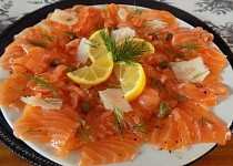 Carpaccio z čerstvého lososa