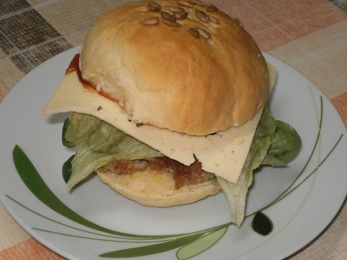 Housky na hamburger, dnešní večeře
