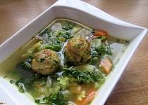 Kapustová polévka s kroketami