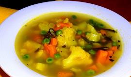 Květáková polévka s batáty