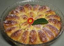 Kynutý koláč z jablečných lodiček