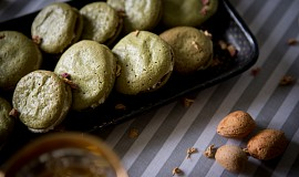 Makronky ze zeleného čaje