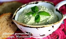 Pikantní pomazánka z cottage, worcesteru a avokáda
