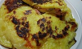 Plněná bramborová placka z pánve