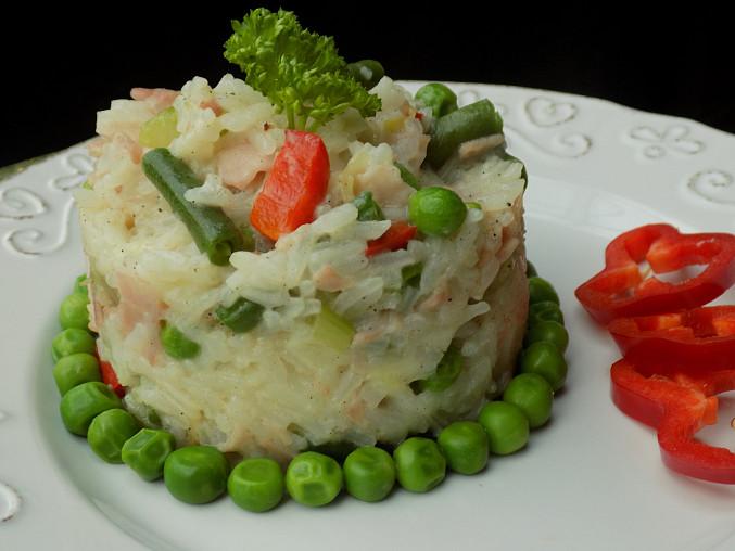 Zeleninová rýže se šunkou a brynzou