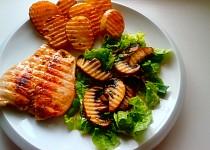 Kuřecí steak  a salát s portobellem