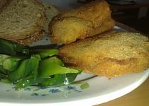 Plněné sójové plátky s chlebovými topinkami