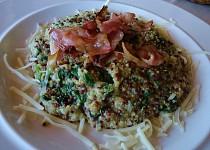 Quinoa se špenátem v sýrové omáčce