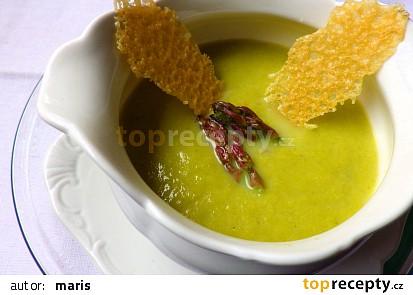 Chřestová polévka s parmezánovými křupinkami