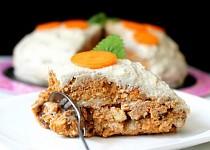 RAW mrkvový dort