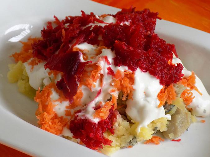 Šuba - salát s červenou řepou a rybou