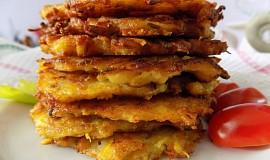 Dýňové bramboráčky se sýrem a slaninou