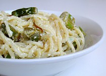 Citronové špagety s chřestem a ricottou