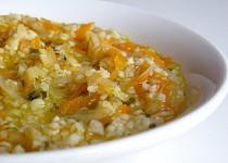 Hustá zeleninová polévka s kuskusem a pestem z medvědího česneku