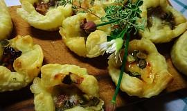 Košíčky z listového těsta s mozzarellou