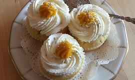 Cupcake s lemon curd