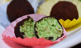 Avokádovo-kokosové kuličky s proteinem
