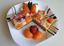 Ovocná kuskusová buchta s tvarohem a šmakounem meruňka