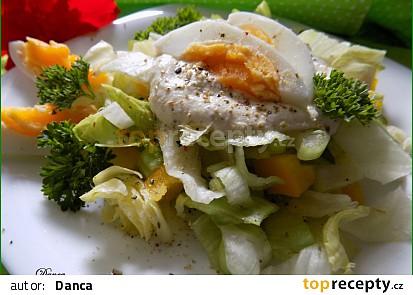 Žluto-zelený salát s tofu zálivkou