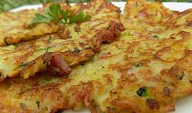 Bramborovo - cuketové placky se slaninou