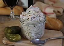 Německý salát z uzeniny (Fleischsalat)