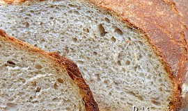 Světlý kváskový chléb