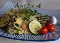 Rýže s cuketou, šunkou a vejci