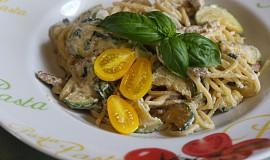 Špagety s ricottou, cuketou a vepřovými nudličkami