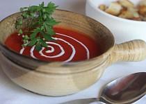 Zeleninový krém s červenou řepou