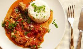 Kuře zahalené rajčátky s kapary