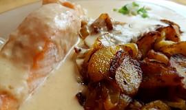 Losos s cibulovo-česnekovou omáčkou