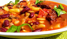 Houbovo - fazolová směs s chilli a rajčaty