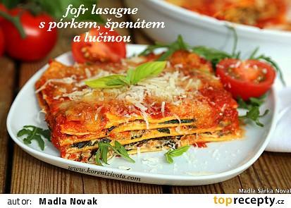 Fofr lasagne s pórkem, špenátem a lučinou