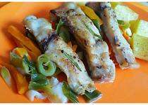 Kapřík pečený na zelenině