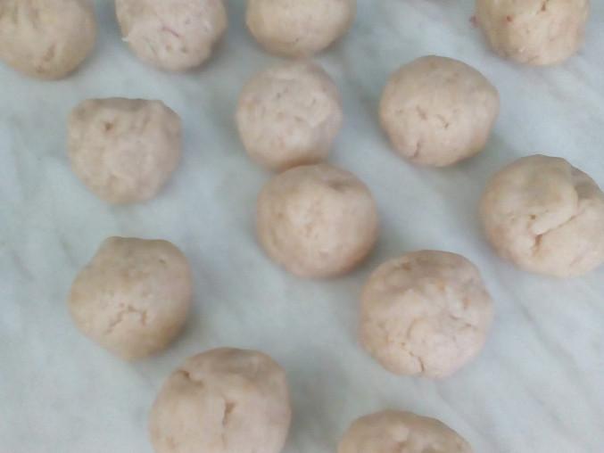 Strouhankové knedlíky s malinami