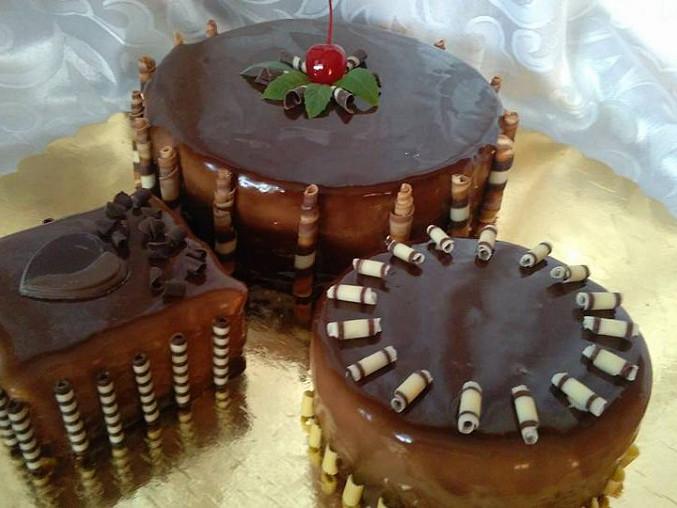 Cheesecake s broskvovou příchutí a polevou Mirror