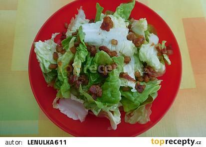Hlávkový salát se zálivkou a špekem