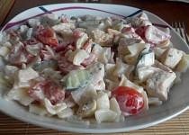 Letní kuřecí salát s těstovinami