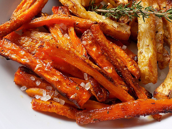 Tymiánové hranolky z mrkve a celeru