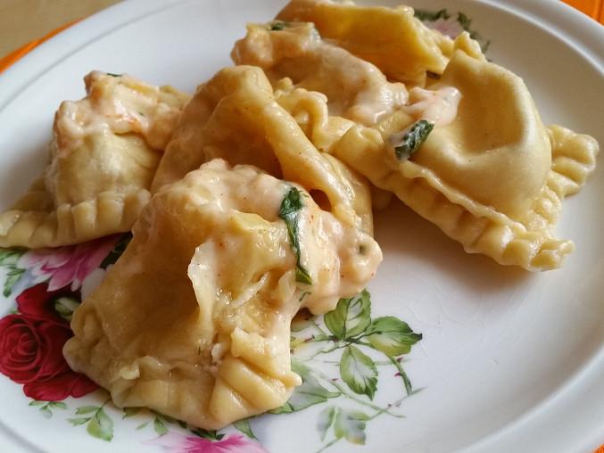 Domácí těstoviny z Loštic se sýrovou omáčkou