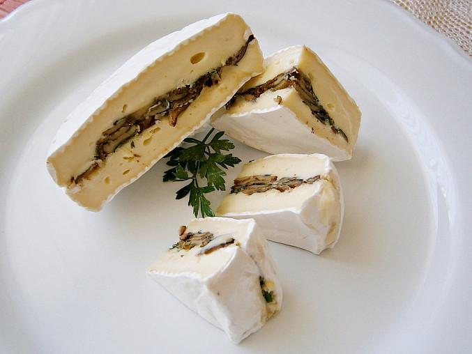 Klouzci s oříšky schovaní v sýru