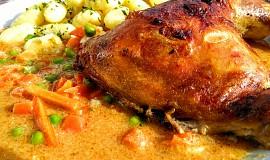 Kuřecí stehna se zeleninovou omáčkou