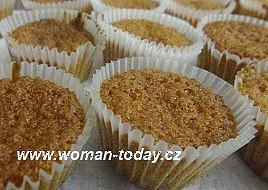 Levandulové cupcakes, Těsto peču rovnou v košíčcích, košíčky plním do 2/3 neboť těsto naskočí.
