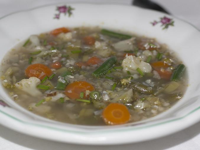Pohanková polévka se zeleninou