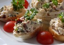 Pomazánka ze sušených rajčat a balkánského sýru