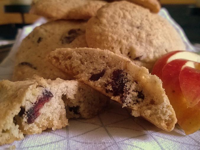 Bezlepkové cookies s vločkami a brusinkami